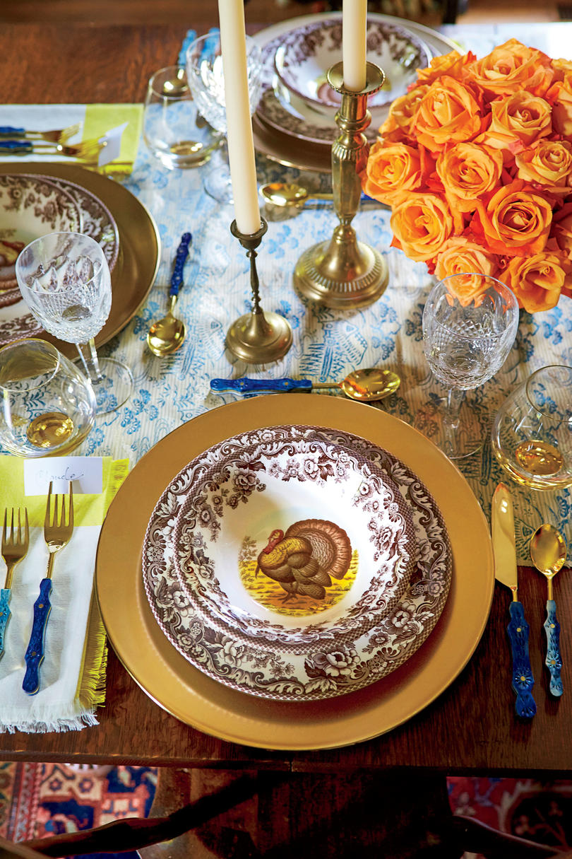 Thanksgiving Table Setting with Turkey Plates & This Is How To Dress Up Your Turkey Plates For Thanksgiving Dinner ...