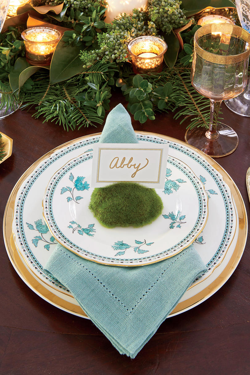 Hillenmeyer Dining Room Place Setting for Christmas