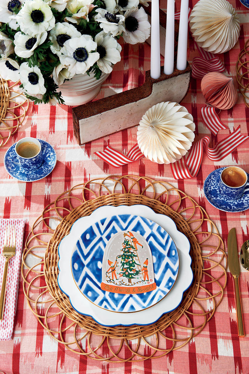 Sohr Christmas Table Setting