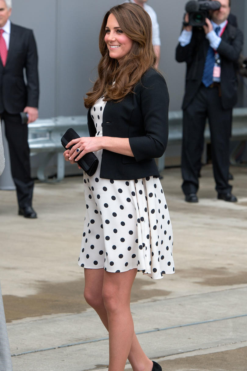 The best maternity moments of kate middleton southern living polka dotted ombrellifo Image collections