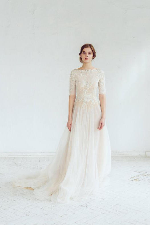 Dreamy Quarter-Sleeve Vintage Gown