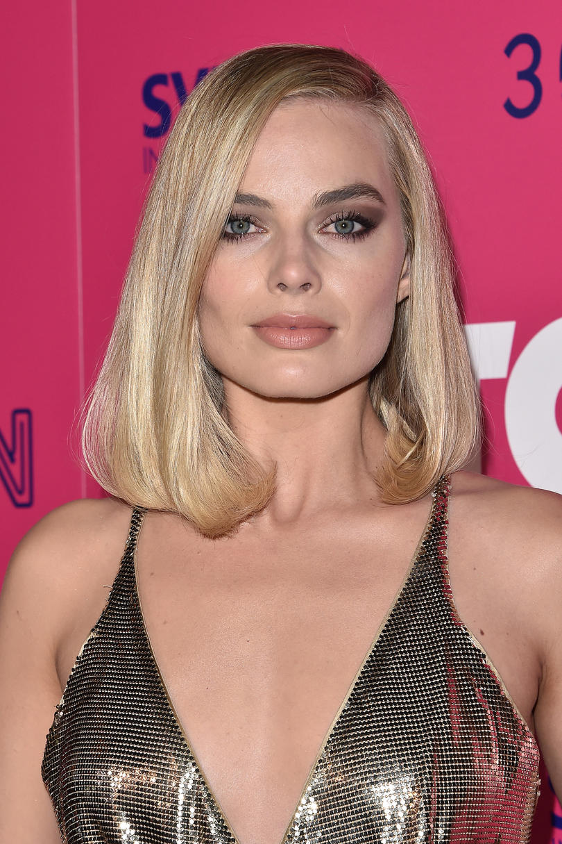 Margot Robbie's Flipped Ends