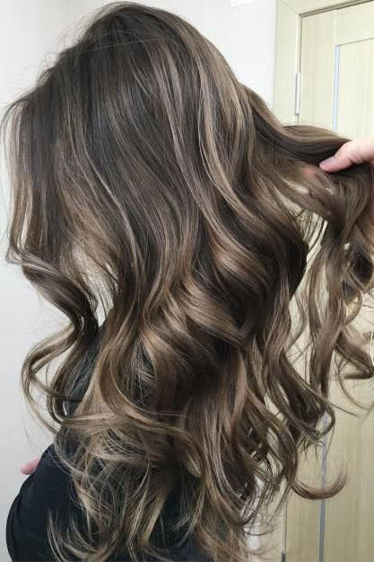 Mushroom brown hair is trending for 2018 southern living contrasting highlights solutioingenieria Gallery