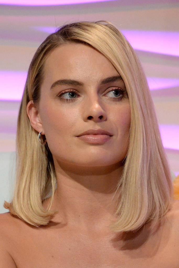 Margot Robbie's Asymmetrical Lob