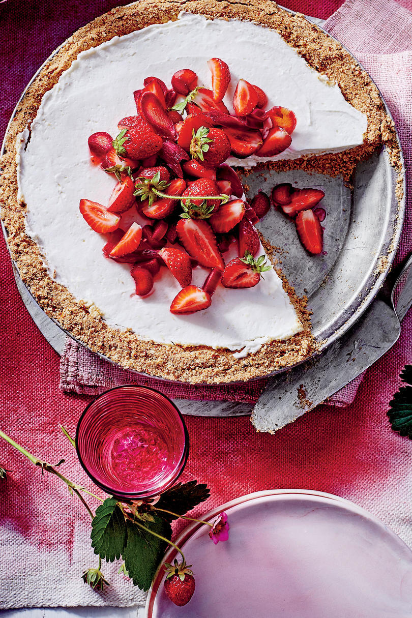 Strawberry-Rhubarb Pretzel Pie