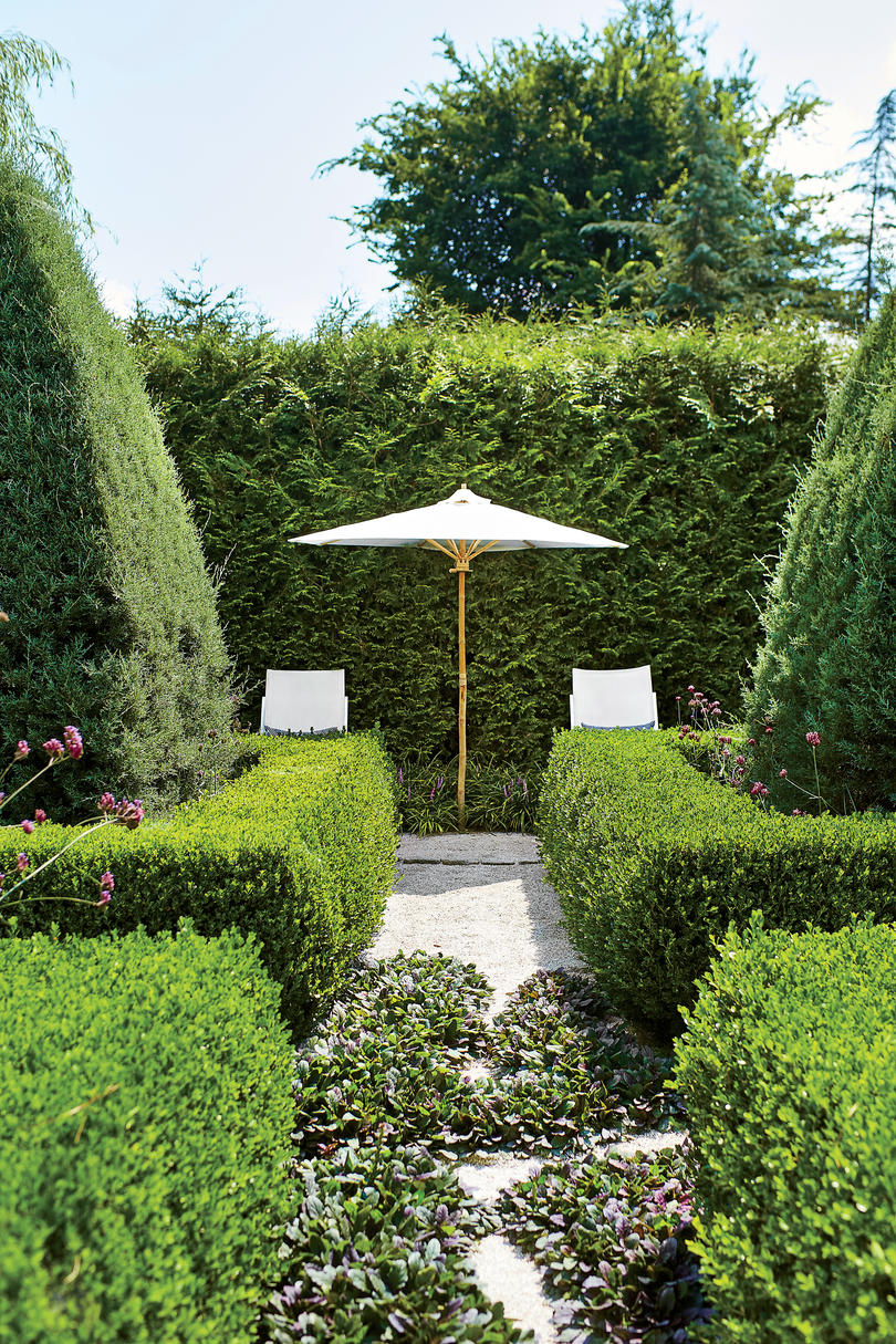 See a Beautiful Southern Spin on a Formal Garden Design - Southern ...