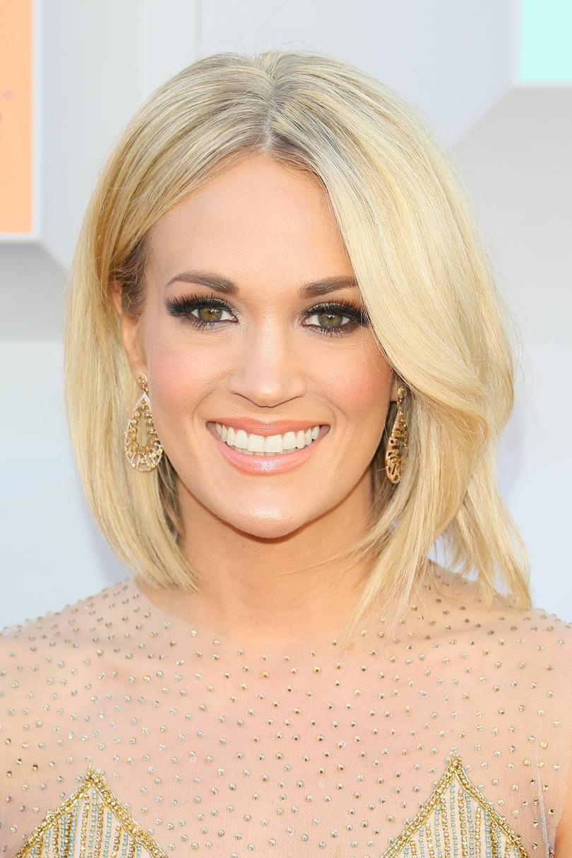 Pictures of carrie underwood with short hair