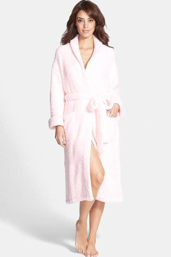 The Best Gifts to Give Your Fashion-Loving Mom: Barefoot Dreams Bathrobe