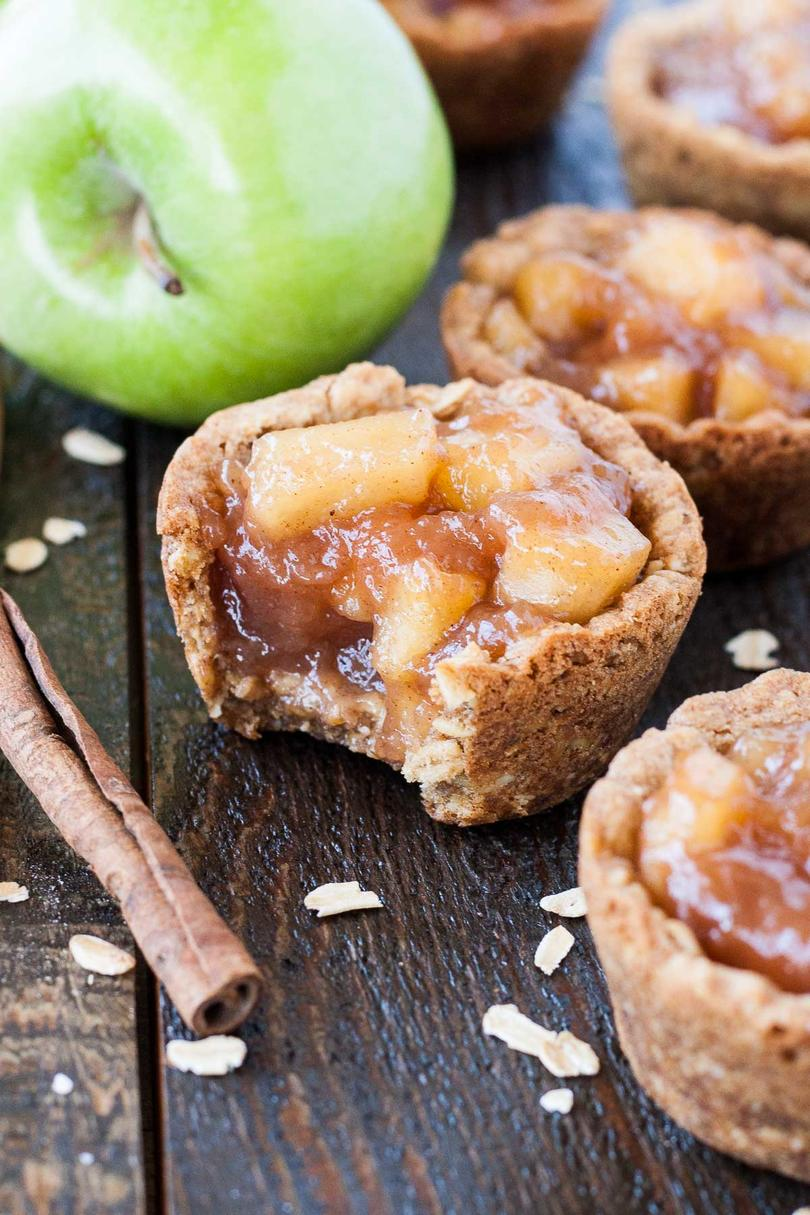 Apple Crisp Cookie Cups