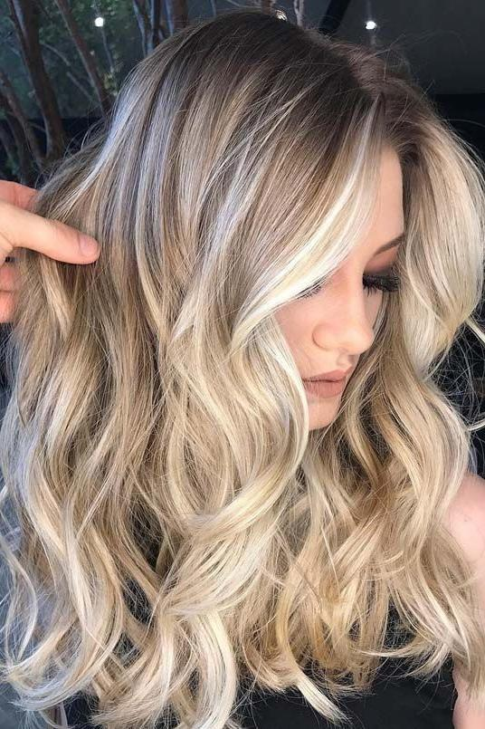 Summer 2018 Hair Color: Cool Blonde with Shadow Roots