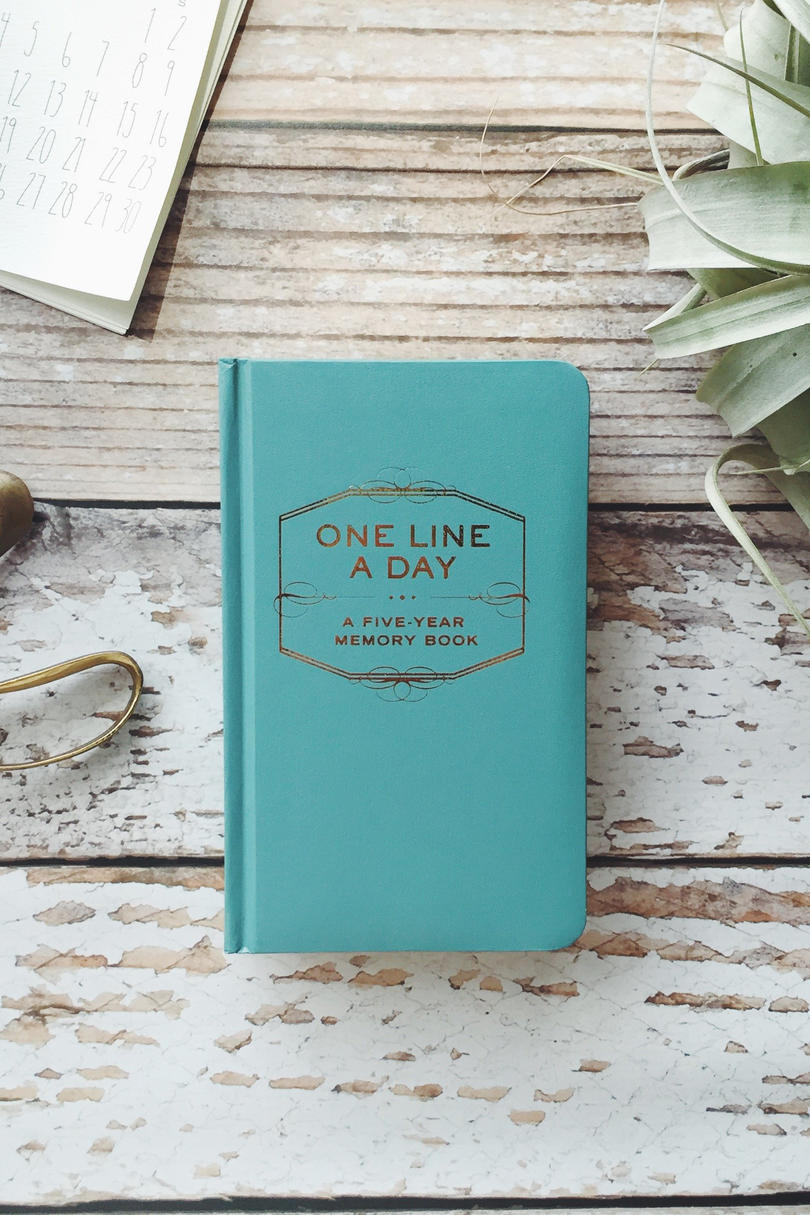 Under $15: One Line a Day: A Five-Year Memory Book