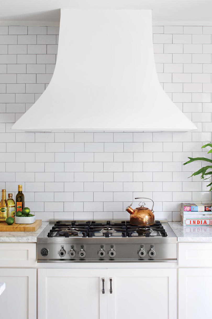 Nicola McLaughlin San Antonia, TX Home White Kitchen Vent Hood