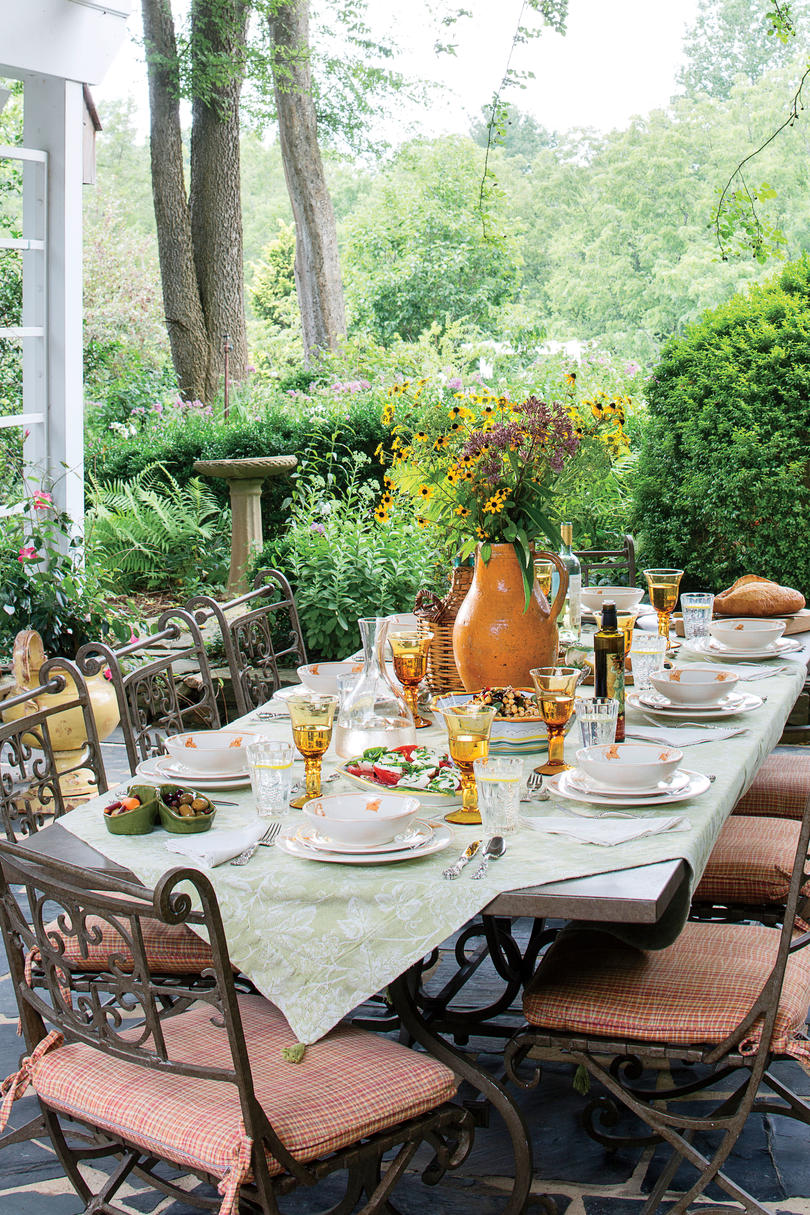 RX_1808_Mayes Garden_Outdoor Dining Table