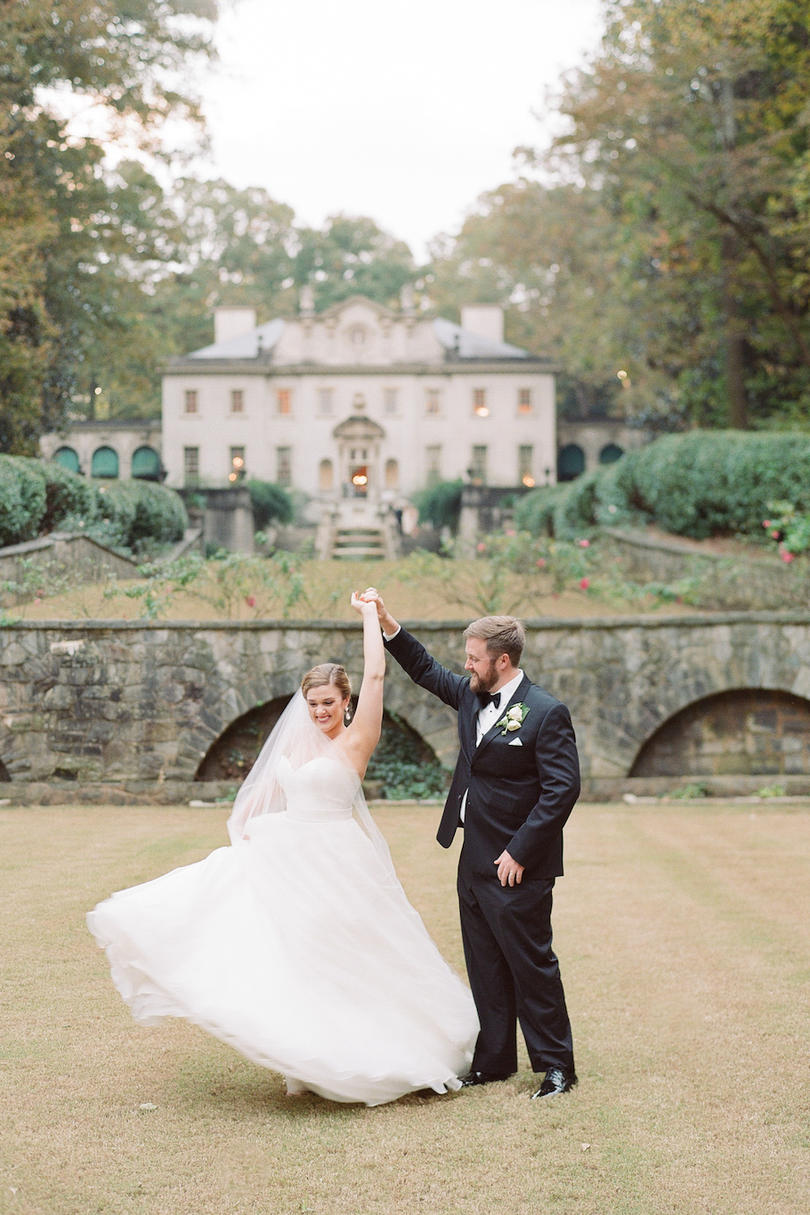 Bride and Groom Atlanta Swan House