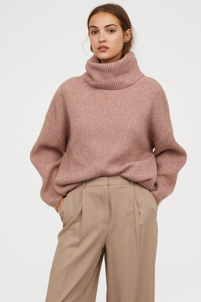 Dusty Rose Ribbed Turtleneck Sweater