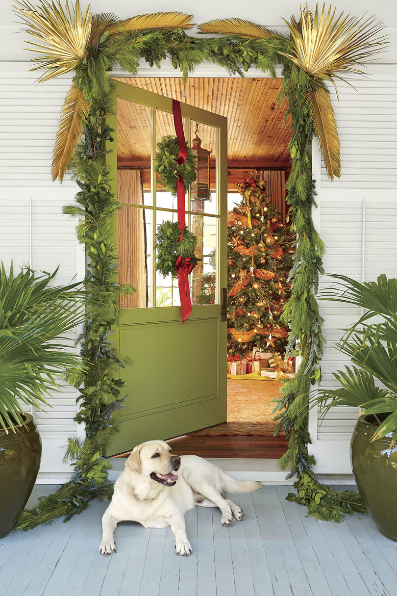 Doorway Garland with Gold Palm Fronds