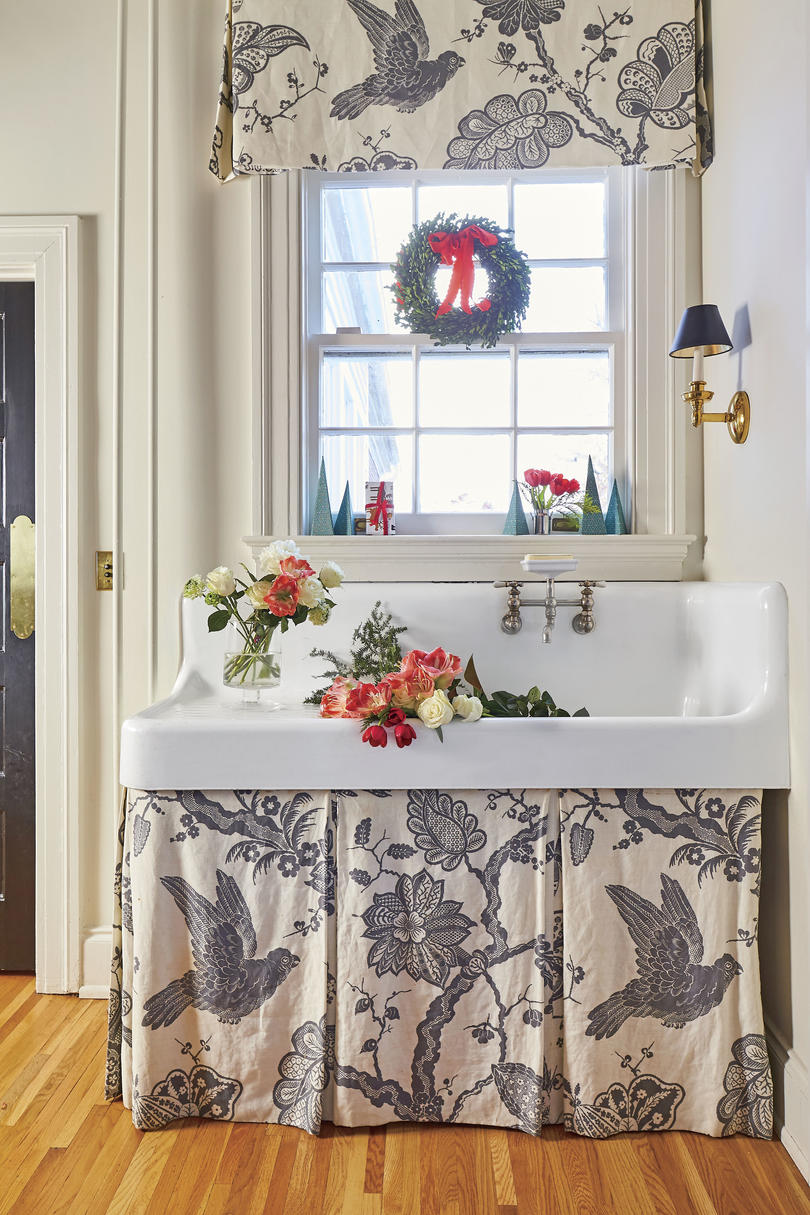 Natasha Lawler Charlottesville House Mudroom Farmhouse Sink