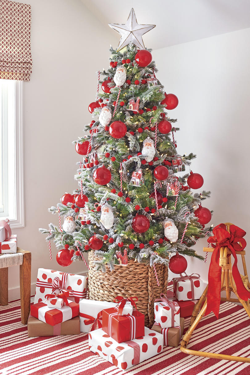 Red And White Christmas Tree Decorations Ideas.Our Favorite Holiday Drama Gorgeous Trees