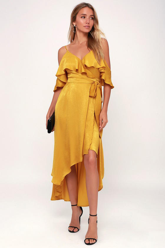 e46f0f5d4fd 19 Spring Dress Trends Every Wedding Guest Will Love for 2019