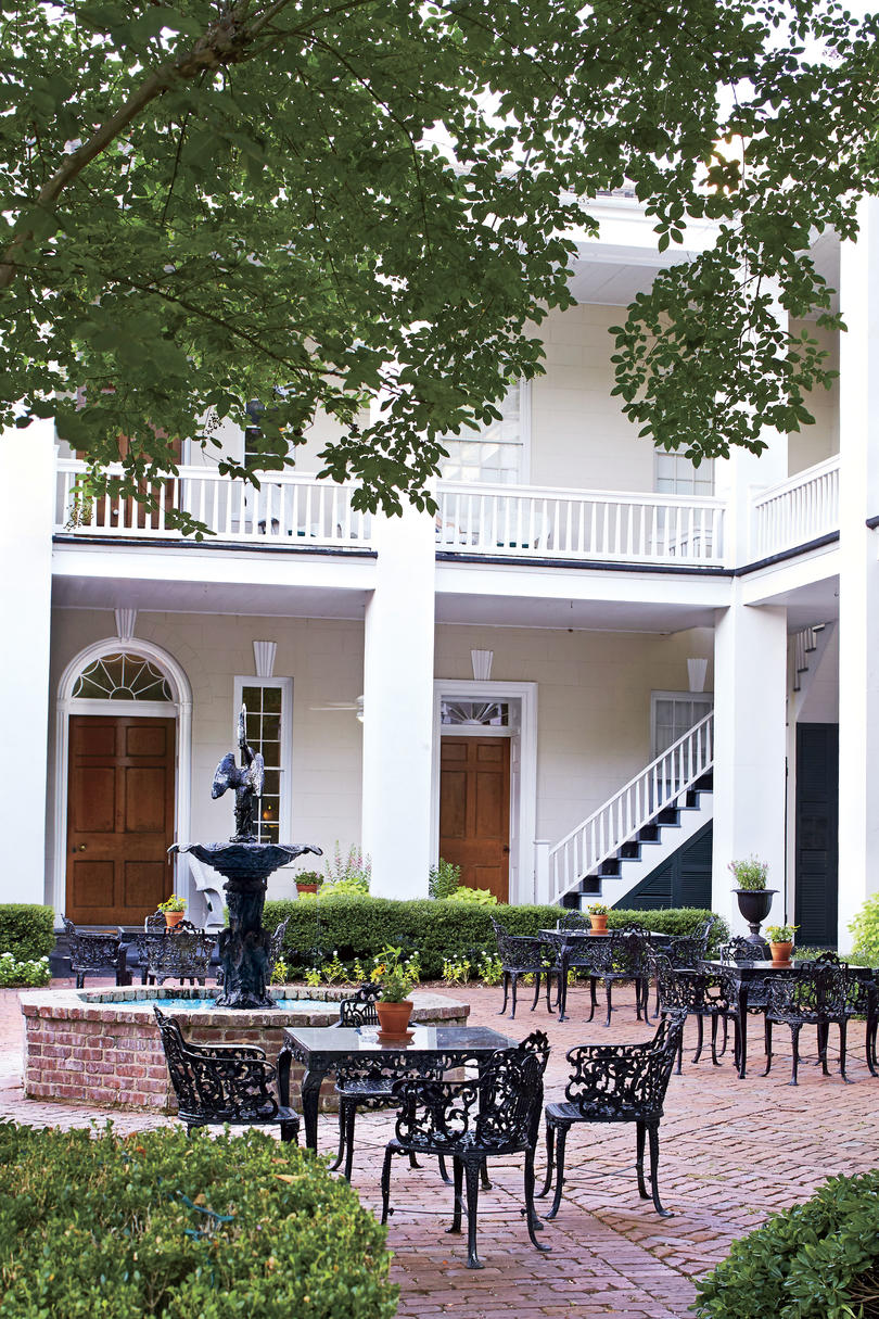 Monmouth Historic Inn & Gardens in Natchez, MS
