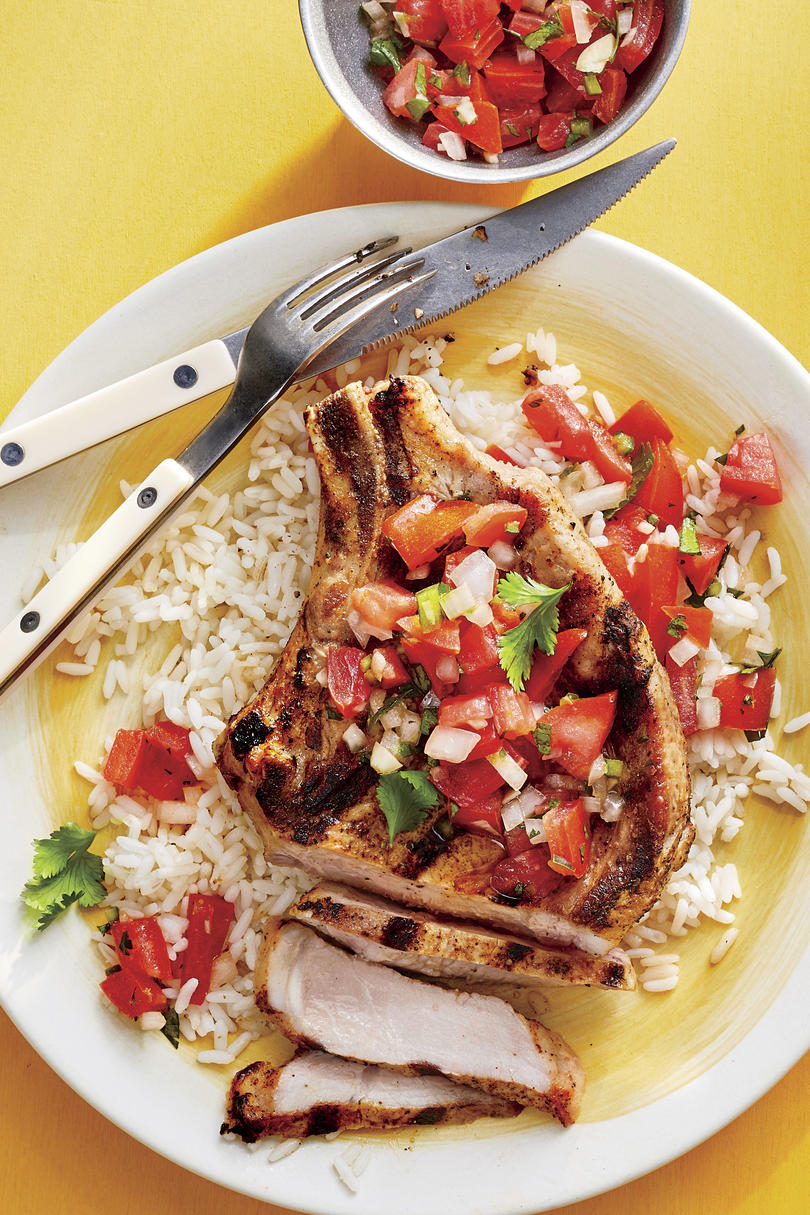 Grilled Pork Chops with Pico de Gallo