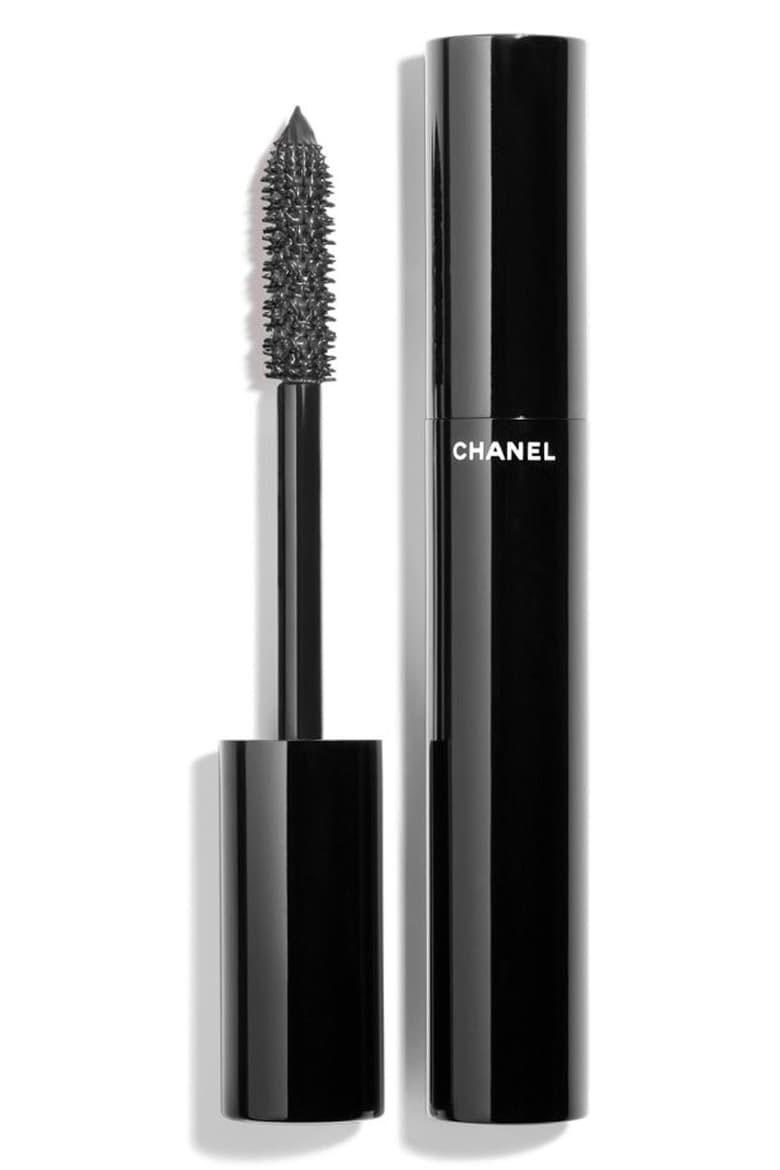 RX_1906 5 Mascaras to Try in 2019_Chanel Le Volume de Chanel Mascara