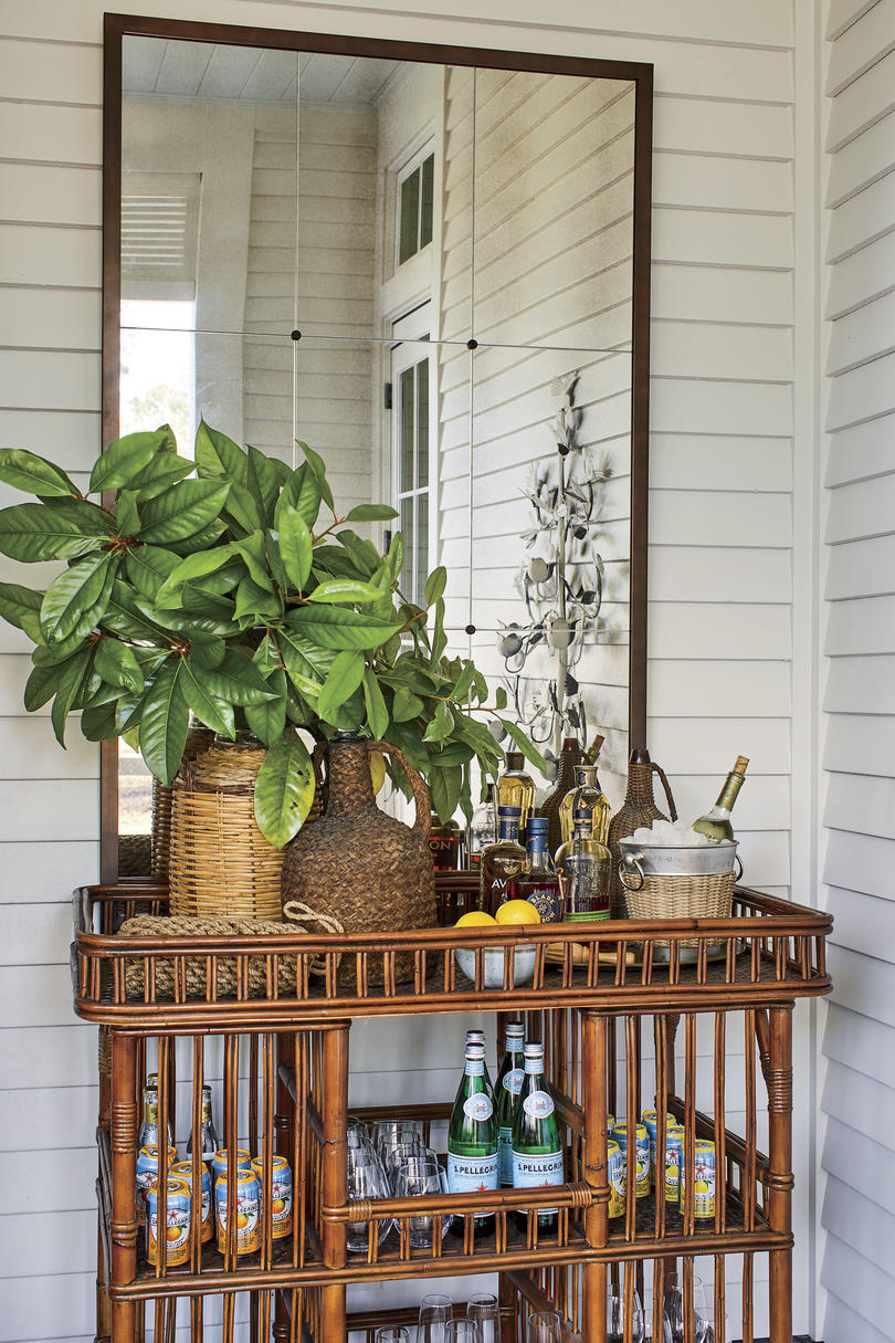 2019 Idea House Screened Porch Bar Cart