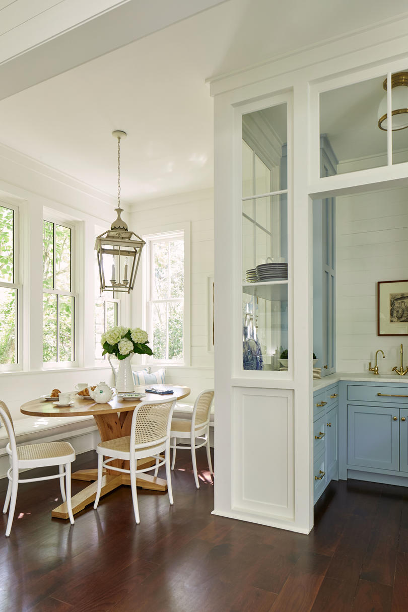 Julia Engel of Gal Meets Glam Charleston, SC Home Breakfast Nook and Buttler's Pantry in Blue and White Kitchen