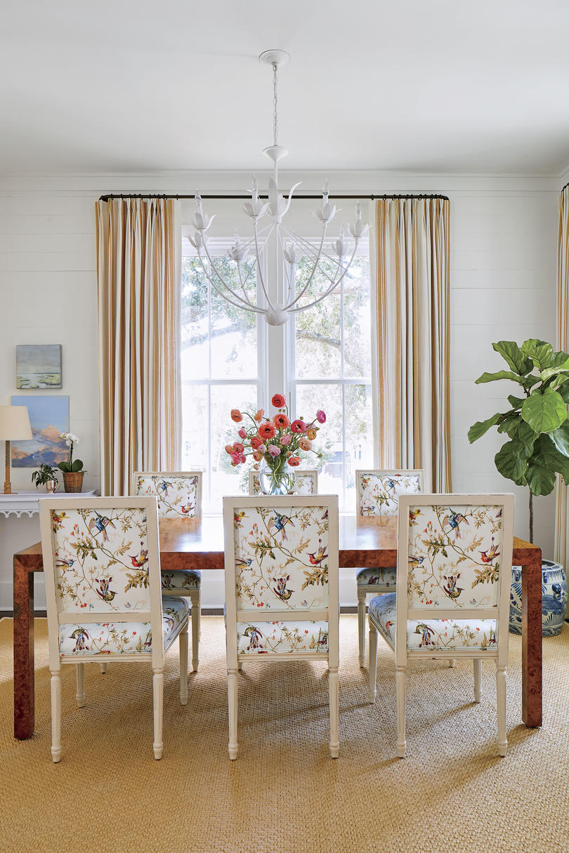 Julia Engel of Gal Meets Glam Charleston, SC Home Dining Room