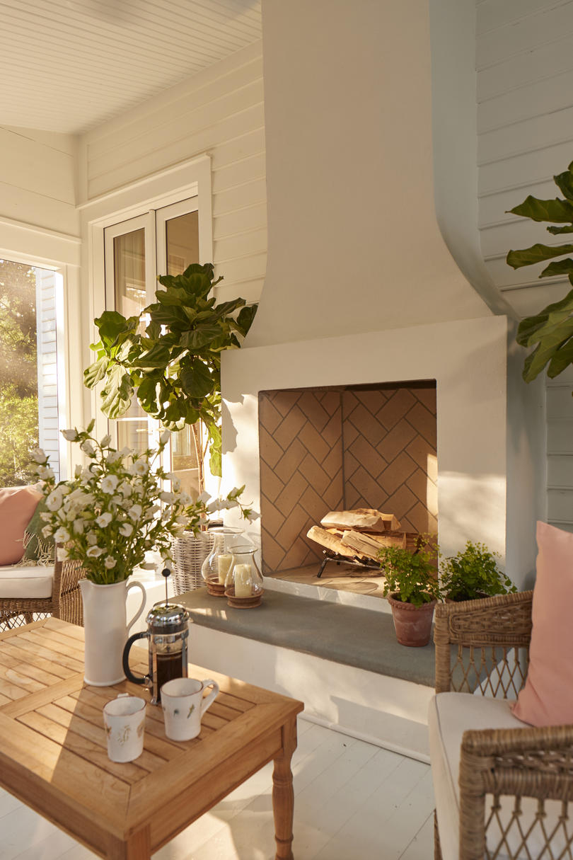Julia Engel of Gal Meets Glam Charleston, SC Home Screened Porch