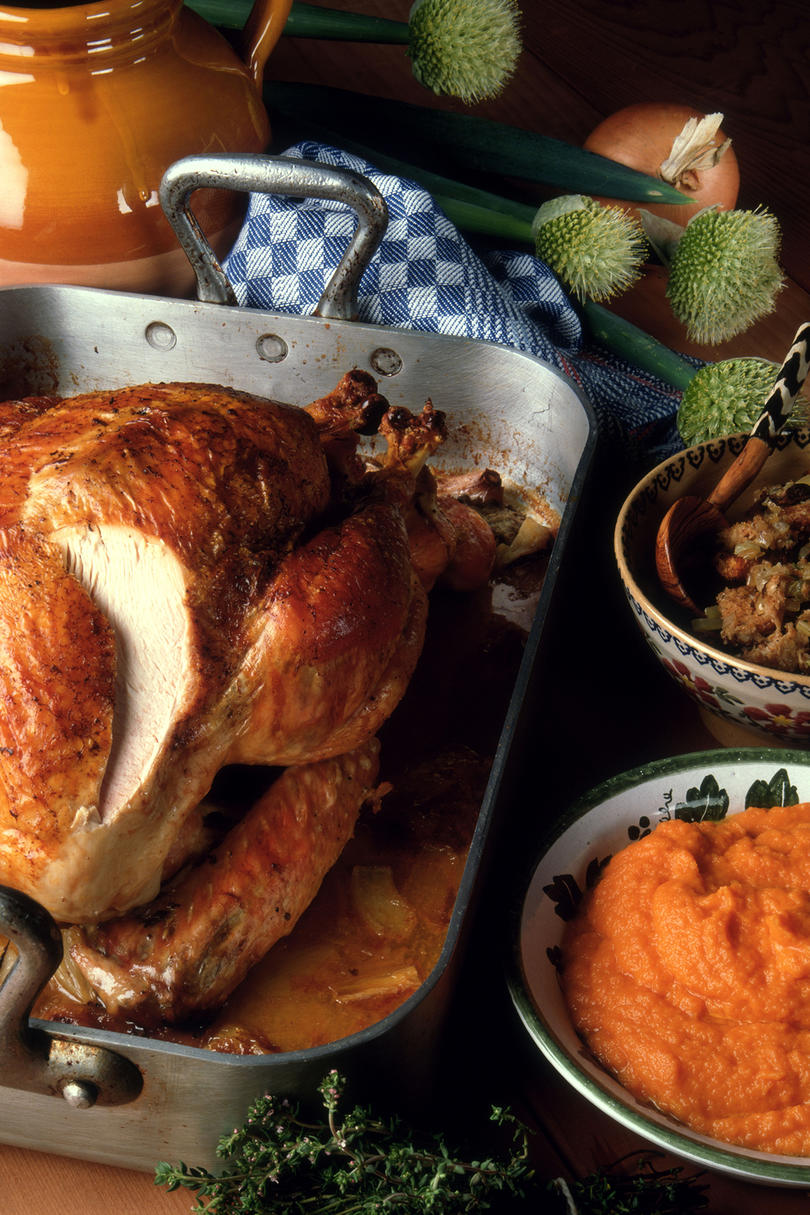 How to Prepare and Carve a Thanksgiving Turkey