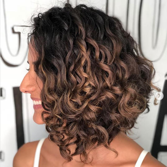 The Best Hairstyles for Medium,Length Curly Hair