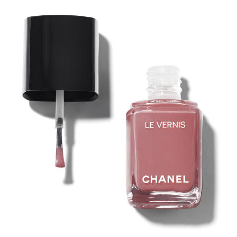 Chanel Le Vernis Longwear Nail Colour in Chicness