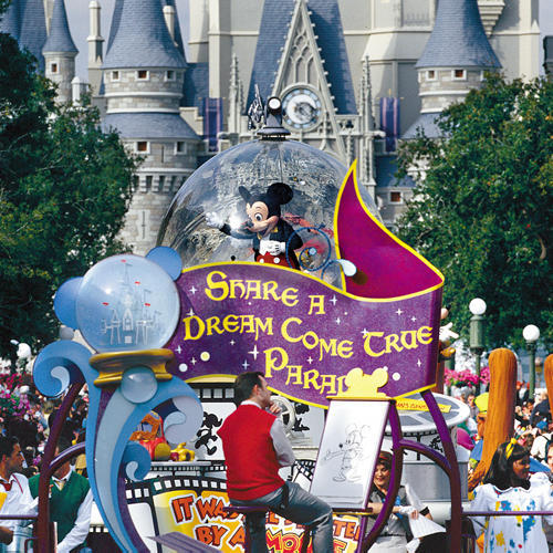 mickey mouse parade at disney