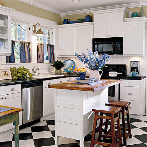 black white - Small Cottage Kitchen