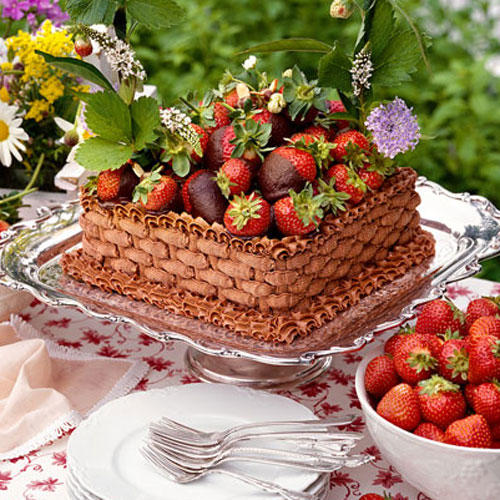Chocolate-Strawberry Basket Cake Recipes