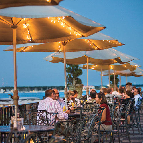 outdoor dining in charleston