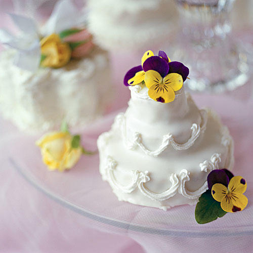Wedding Bridal Shower Ideas: Precious Little Cakes