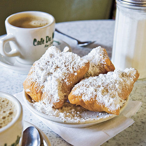 New Orleans Vacations: Beignets from Cafe du Monde