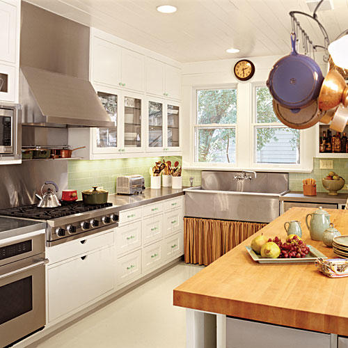 Green Kitchen Backsplash: All-Time Favorite White Kitchens