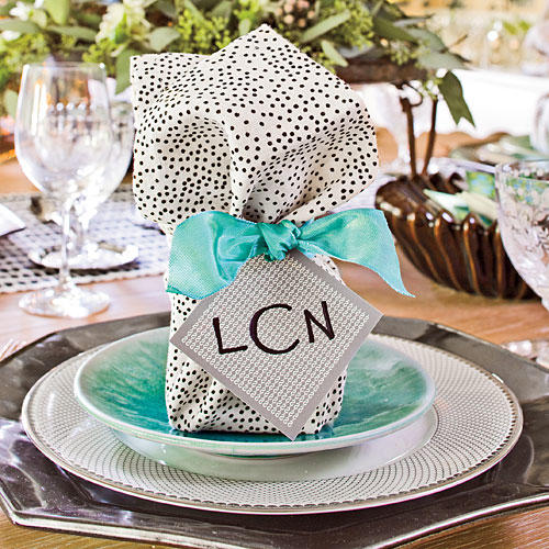 Christmas Table Decorations: Place Cards