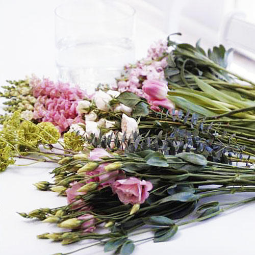 How to Make a Posy Bouquet: Remove Foliage