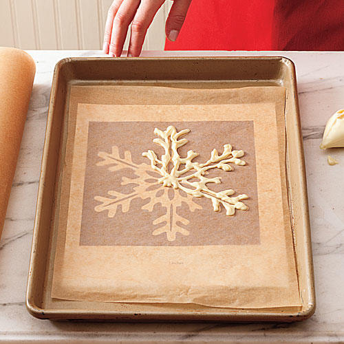 How To Make a White Chocolate Snowflake: Step 2