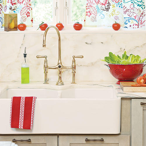 Southern Living Kitchens Ideas: Farmhouse Sinks With Vintage Charm
