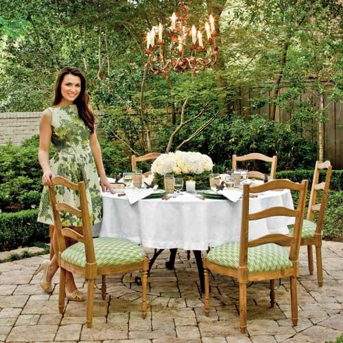 Backyard Alfresco Dining