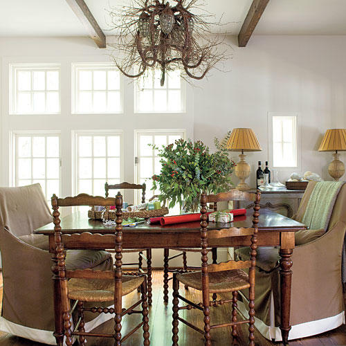 Dining Room Centerpieces: Stylish Dining Room Decorating Ideas