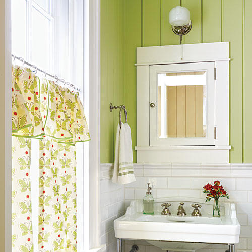 Green decorating ideas southern living for Southern bathroom ideas