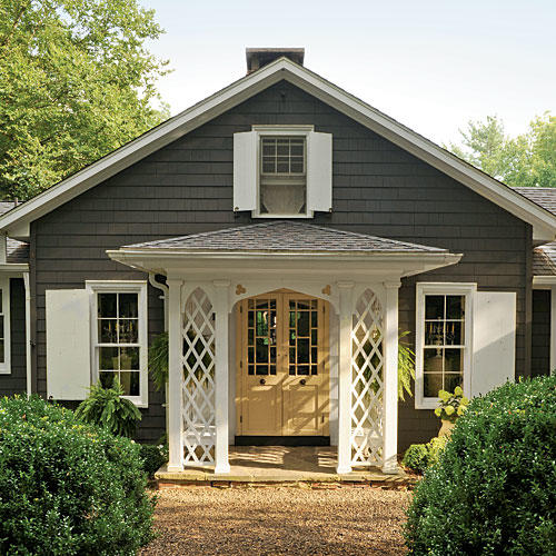 The best white paint colors southern living for Lake house exterior paint colors
