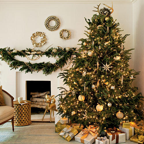 christmas tree decorating ideas - Christmas Tree With Lights And Decorations