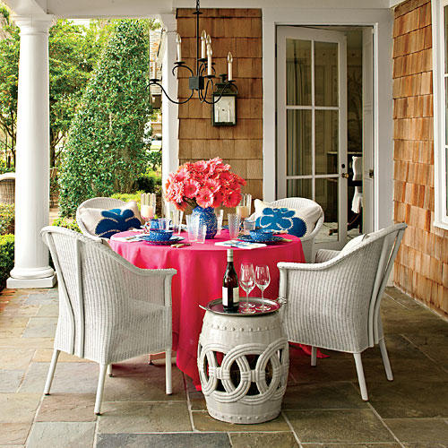 Colorful Outdoor Rooms: Bright Outdoor Dining Ideas